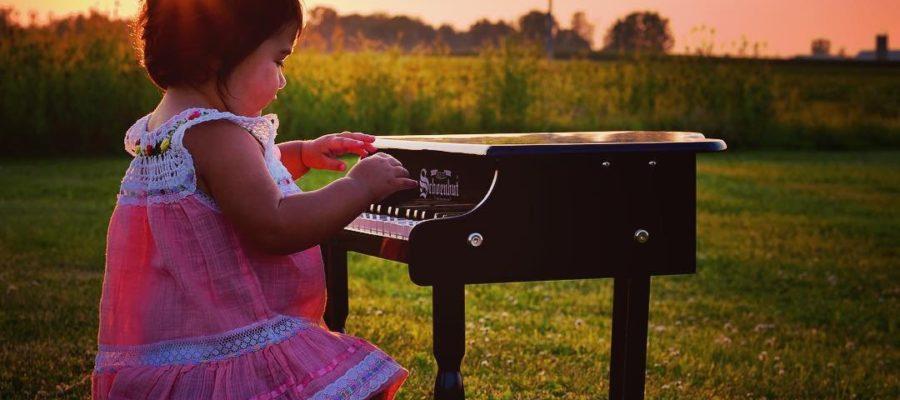 Schoenhut 30 Key Classic Baby Grand